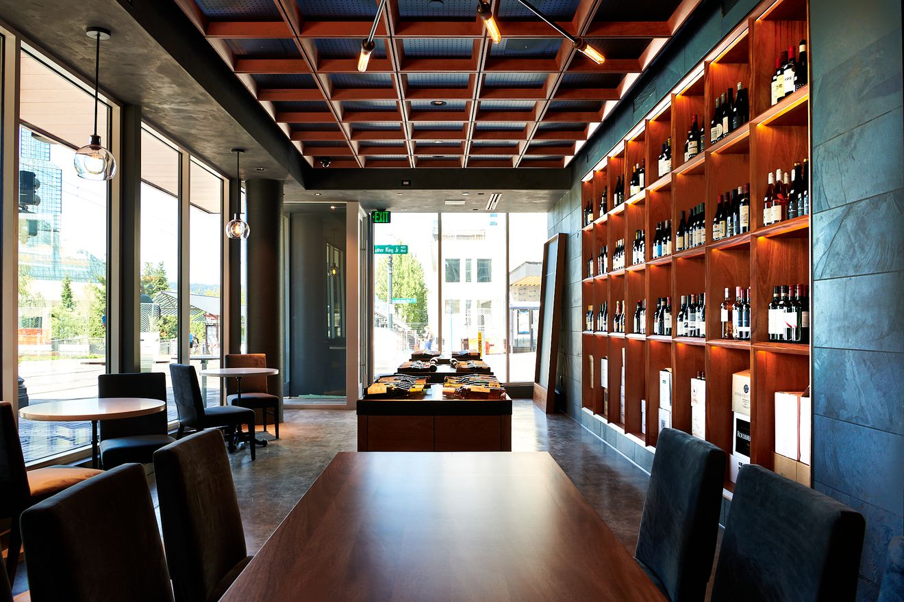 Pullman Wine Bar | photo by Dina Avila