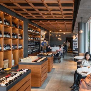 Pullman Winebar & Merchant, interior